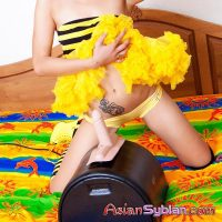Thai cutie having fun with the sybian